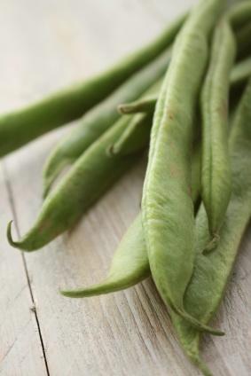 preparing raw runner beans